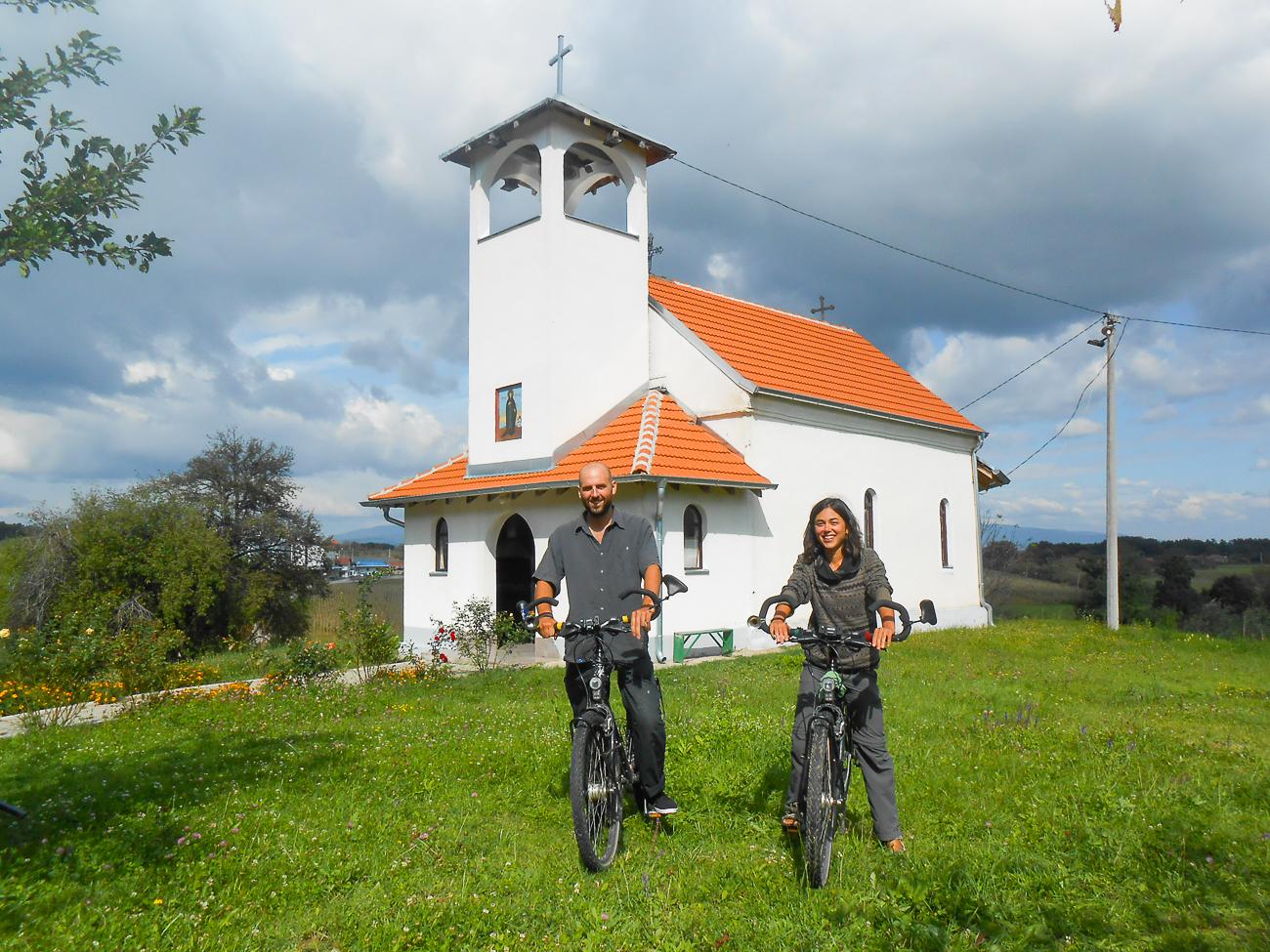 Ема и Бен – бициклама на путу од Француске до Кине