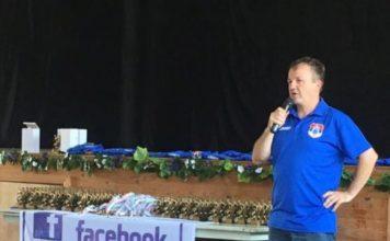 Зоран Голуб председник ФК Београд поздравља све присутне на тројеској вечери клуба